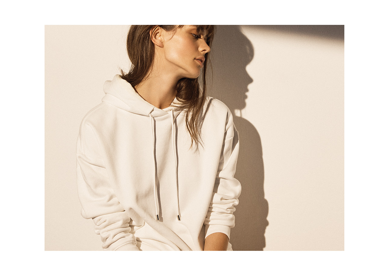 LEISURE COMPLEX The Hoodie