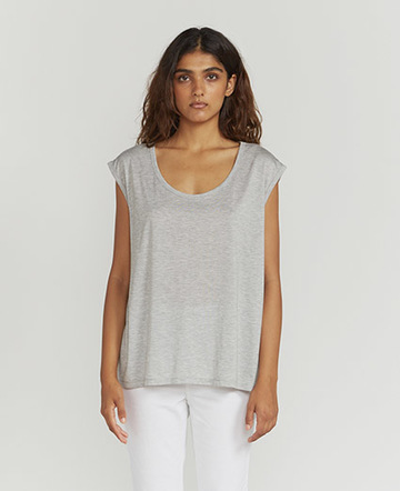 Scoop-neck vest