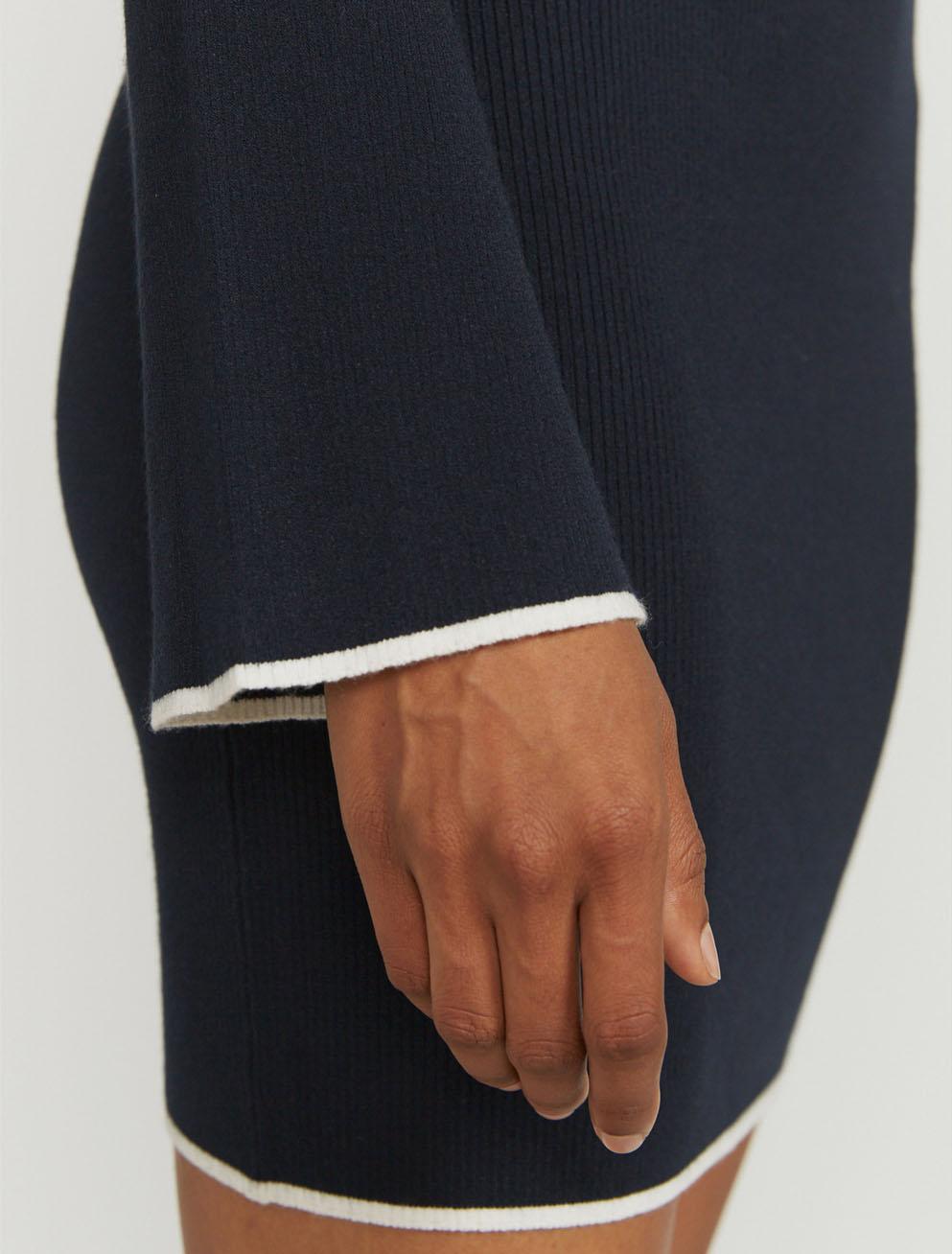 Ribbed contrast-hem dress