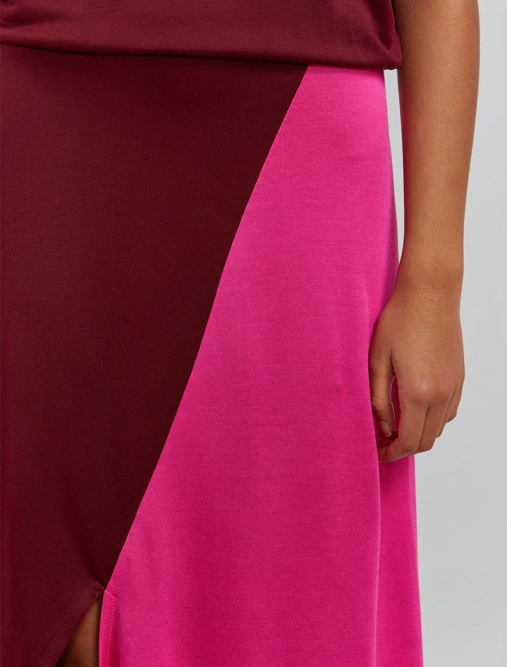 Colour-block asymmetric hem dress