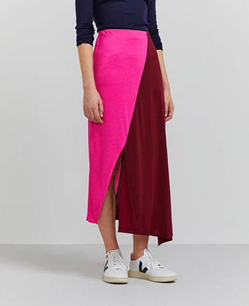 Colour-block asymmetric skirt