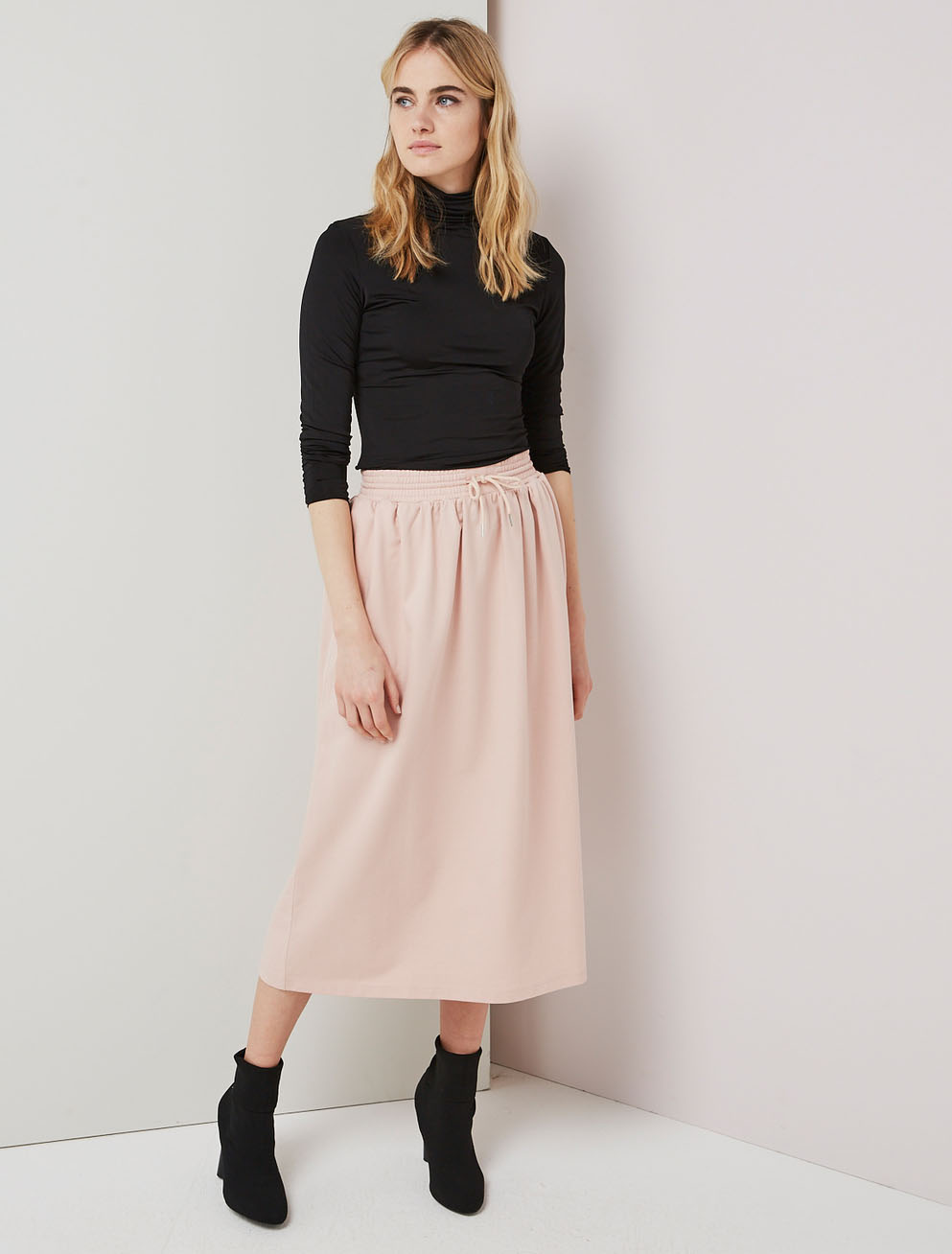 Sweatband full skirt