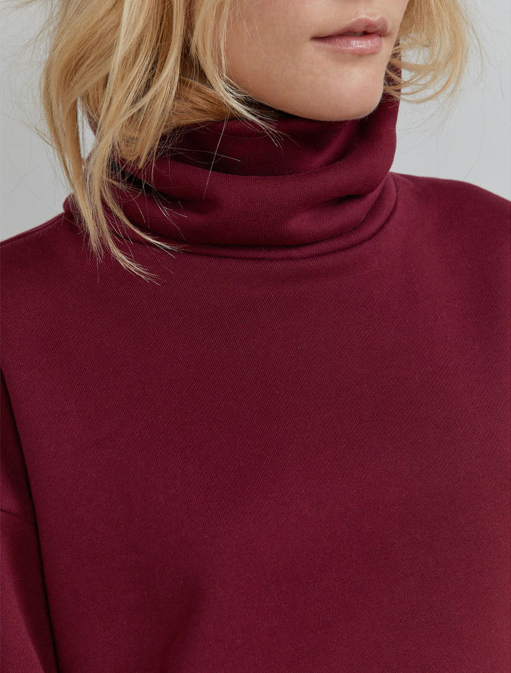 Organic cotton funnel-neck sweatshirt